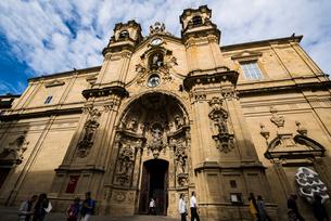 古都サンセバスティアンのサンタマリア教会の写真素材 [FYI03454719]
