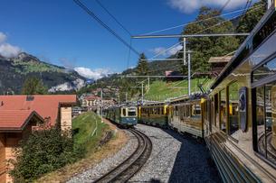 スイス、ベルナーオーバーラント鉄道の写真素材 [FYI03454882]