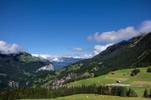 スイス、オーバーラント、ヴェンゲンの風景の写真素材 [FYI03454887]