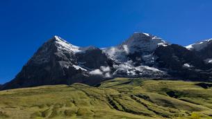 スイス、トップオブヨーロッパ、オーバーラント三山の風景の写真素材 [FYI03454909]