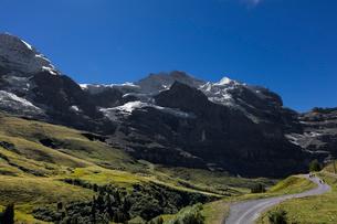 スイス、トップオブヨーロッパ、オーバーラント三山の風景の写真素材 [FYI03454911]