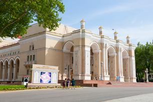ナヴォイ・オペラ・バレエ劇場の外観の写真素材 [FYI03455368]