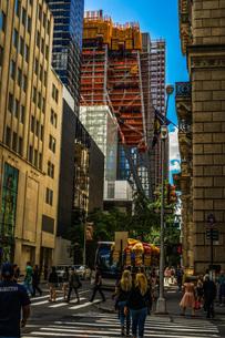 ニューヨーク・マンハッタンの街並みの写真素材 [FYI03456587]