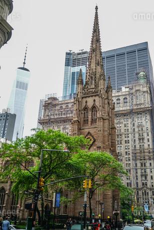 トリニティー教会(ニューヨーク)の写真素材 [FYI03456837]