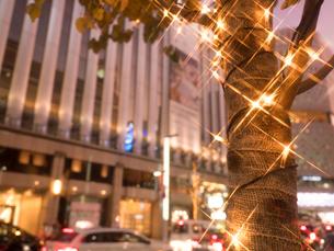 東京都 銀座のイルミネーションの写真素材 [FYI03456917]