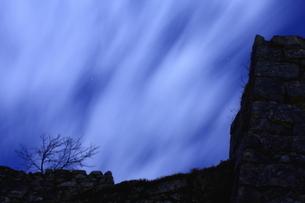 夜風強い竹田城跡の写真素材 [FYI03457140]