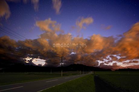 夕暮れの写真素材 [FYI03457707]