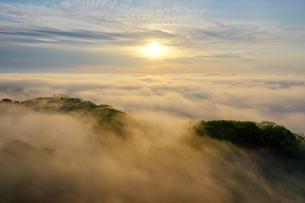 雲海の空撮の写真素材 [FYI03457710]