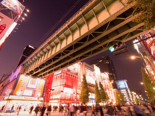 夕暮れの秋葉原電気街の写真素材 [FYI03458595]