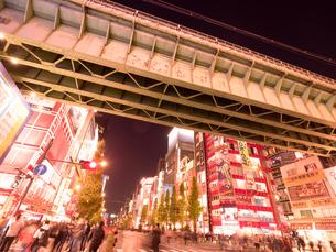 夕暮れの秋葉原電気街の写真素材 [FYI03458600]