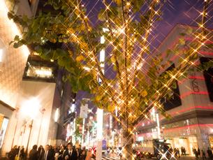 東京都 銀座のイルミネーションの写真素材 [FYI03458651]