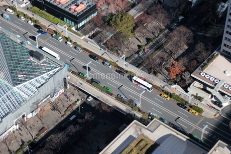 新宿の陸橋の写真素材 [FYI03458760]