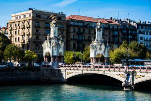 サンセバスティアンのサンタ・カタリナ橋の写真素材 [FYI03459541]