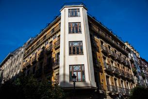 バスク地方:サンセバスティアンの街角の写真素材 [FYI03459543]