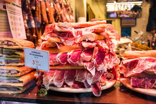 スペイン・イベリコ豚の生ハム・サンドイッチの写真素材 [FYI03459547]