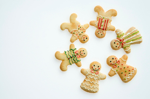 Gingerbread men in a circleの写真素材 [FYI03459980]