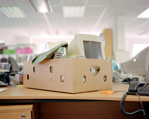 Computer in a boxの写真素材 [FYI03460202]