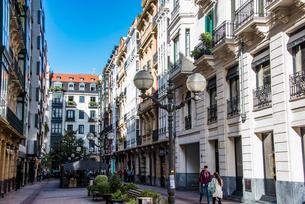 バスク地方ビルバオの街並みの写真素材 [FYI03460797]