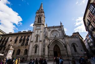 サンティアゴ大聖堂:ビルバオ旧市街の写真素材 [FYI03460869]