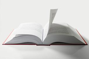 Open bookの写真素材 [FYI03461119]