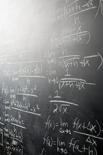 Calculus on blackboardの写真素材 [FYI03461126]