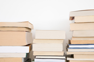 A stack of booksの写真素材 [FYI03462157]