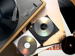 Record player records and cdsの写真素材 [FYI03462734]