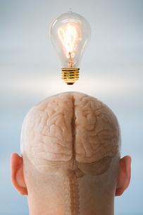 A person having an ideaの写真素材 [FYI03463073]