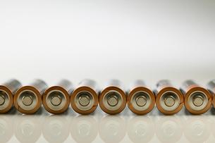 Batteries in a rowの写真素材 [FYI03463111]