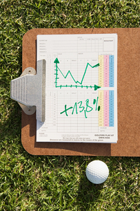 A graph and a golf ballの写真素材 [FYI03463701]