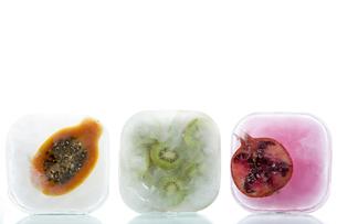 Frozen fruitの写真素材 [FYI03464221]