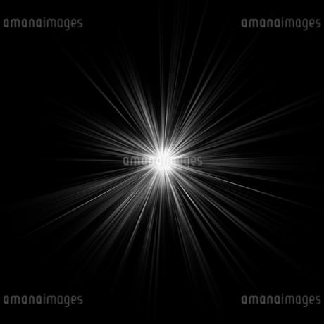 黒バックの光素材のイラスト素材 [FYI03465693]
