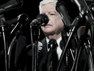 Politician and microphonesの写真素材 [FYI03467537]