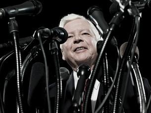 Politician and microphonesの写真素材 [FYI03467554]
