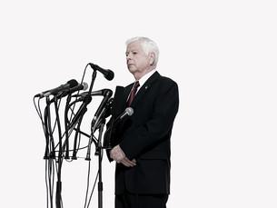 Politician and microphonesの写真素材 [FYI03467570]