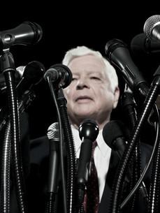 Politician and microphonesの写真素材 [FYI03467592]