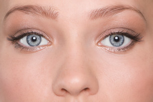 Eyes of a young womanの写真素材 [FYI03469626]