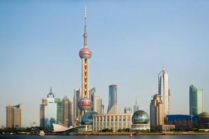 Oriental pearl tower shanghaiの写真素材 [FYI03469998]