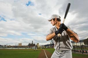 Baseball batter concentratingの写真素材 [FYI03470078]