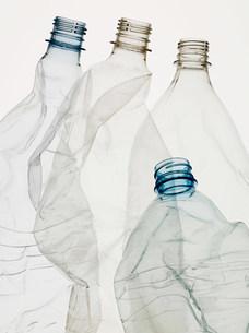 Empty plastic bottlesの写真素材 [FYI03470156]