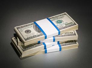 Stack of one hundred dollar billsの写真素材 [FYI03471304]
