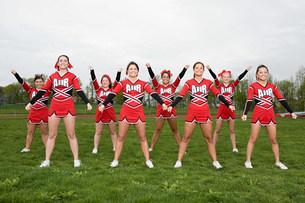 Cheerleaders performing routineの写真素材 [FYI03471520]