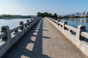 長い一本の橋の写真素材 [FYI03472995]