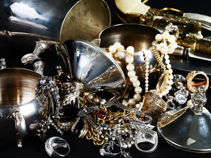 Jewelry and silverwareの写真素材 [FYI03474141]