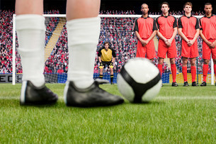 Free kick during a football matchの写真素材 [FYI03475946]