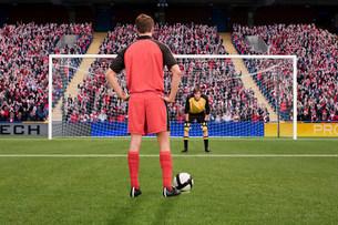 Goalkeeper anticipating free kickの写真素材 [FYI03475950]