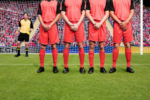 Free kick during a football matchの写真素材 [FYI03475964]