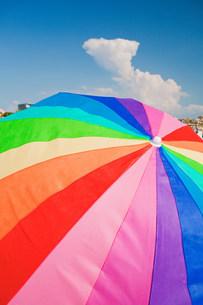 Multi colored parasolの写真素材 [FYI03477899]