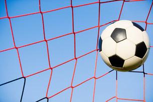 Football in goalの写真素材 [FYI03478695]