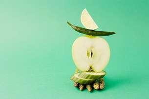 Arrangement of apple, asparagus, green chili and cucumber agの写真素材 [FYI03479074]